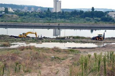 На месте прорыва водопровода образовалось озеро
